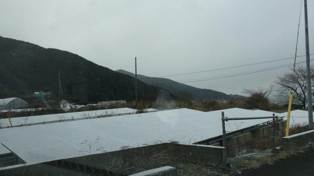 雪の日の太陽光発電