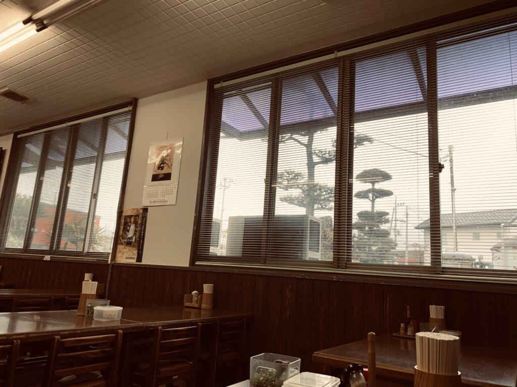 長田うどん 店内