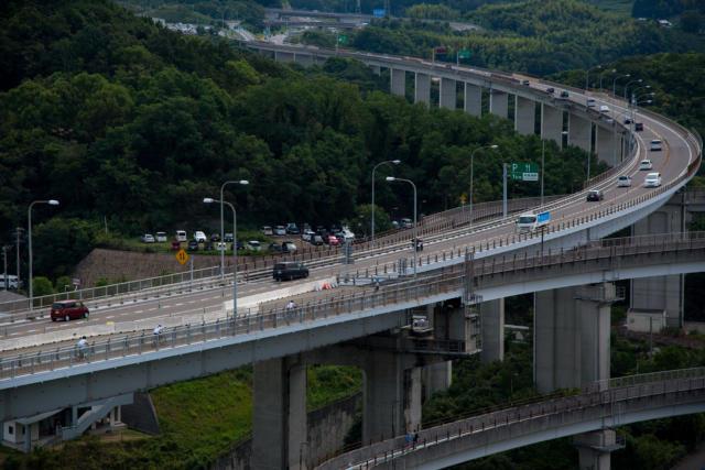 糸山展望台から見た来島海峡大橋