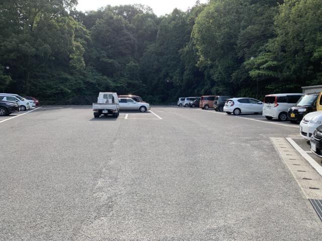 椿交流館の駐車場