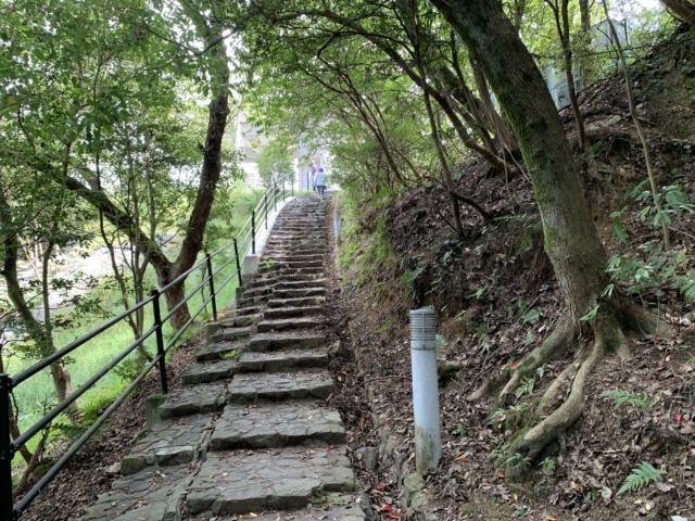 糸山展望台への道